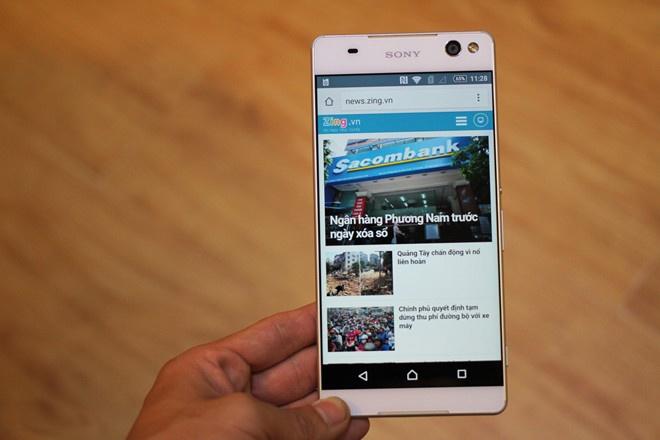 Loat smartphone sang gia vua cap ben Viet Nam hinh anh 4