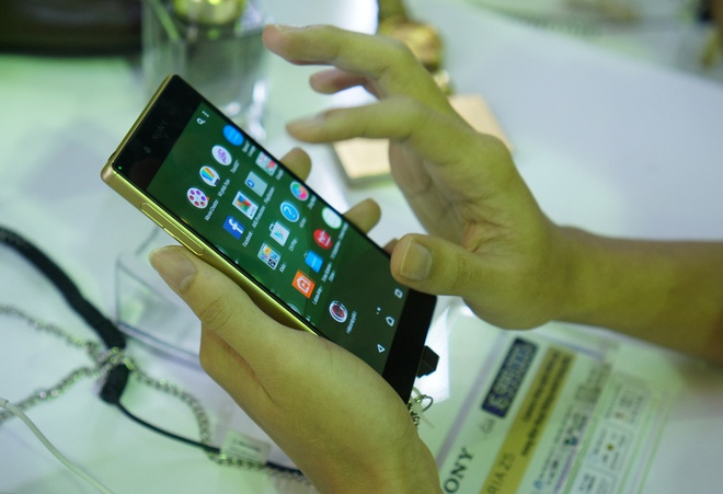 Sony dem bo san pham Xperia Z5 den Ha Noi hinh anh