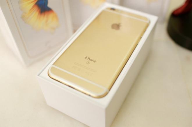 Gia iPhone 6S khoa mang giam nhanh xuong muc 14 trieu hinh anh