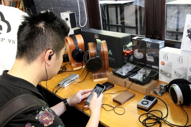 Sony gioi thieu may nghe nhac ZX100 gia 10 trieu tai Ha Noi hinh anh 1