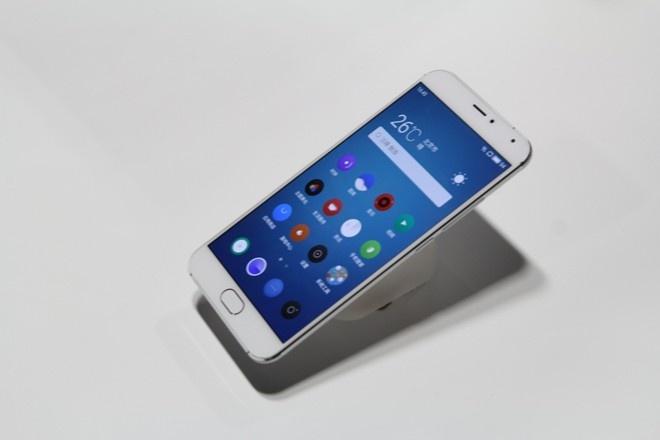 Di dong giong iPhone 6, manh ngang Note 5 gia 11 trieu o VN hinh anh 1