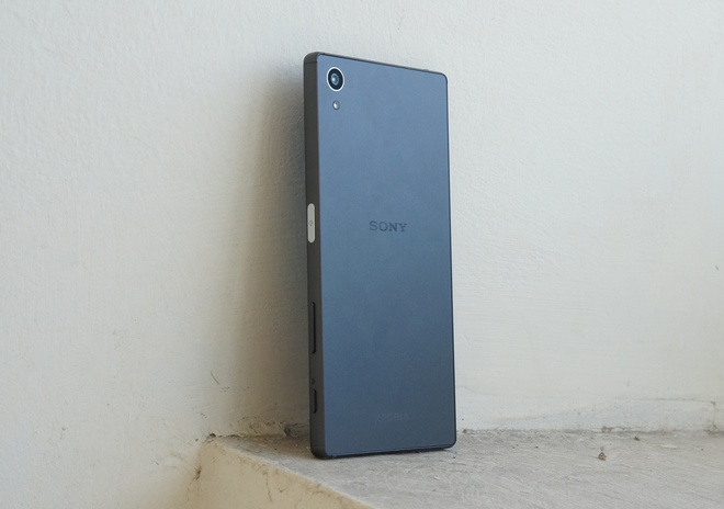 Danh gia Sony Xperia Z5: Dep, doc nhung chua da hinh anh