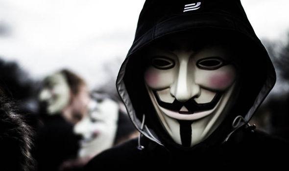 Cuu thanh vien Anonymous vua ngan chan mot vu khung bo IS hinh anh 2