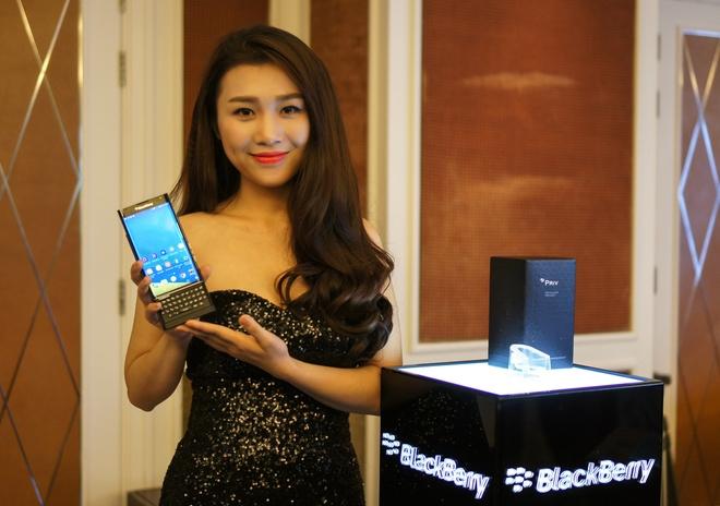 BlackBerry Priv ra mat tai Viet Nam, gia 18,5 trieu dong hinh anh