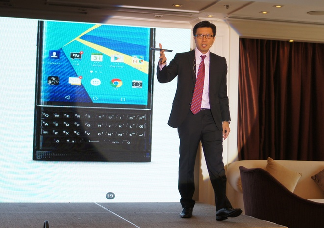 BlackBerry Priv: 'Du tiec muon phai co phao hoa, champagne' hinh anh 1
