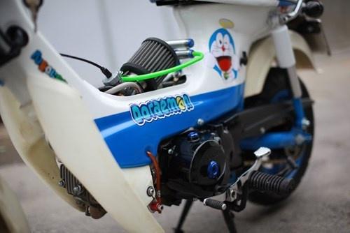 Honda Chaly phien ban Doremon 130cc: Nho ma co vo hinh anh 8