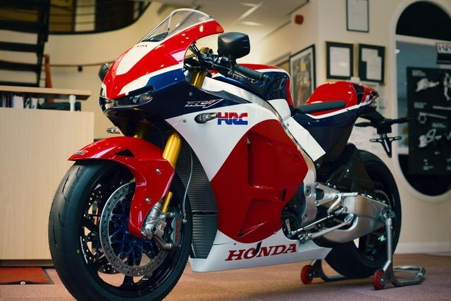 Chu nhan dau tien cua sieu moto Honda RC213V-S la ai? hinh anh 1