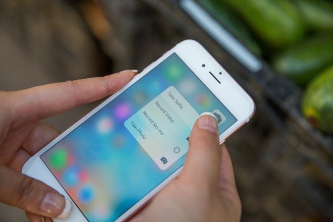 iPhone lan dau tien dung man hinh moi? hinh anh