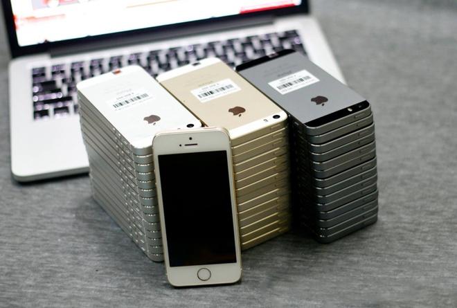 iPhone qua su dung dat hang dip can Tet hinh anh