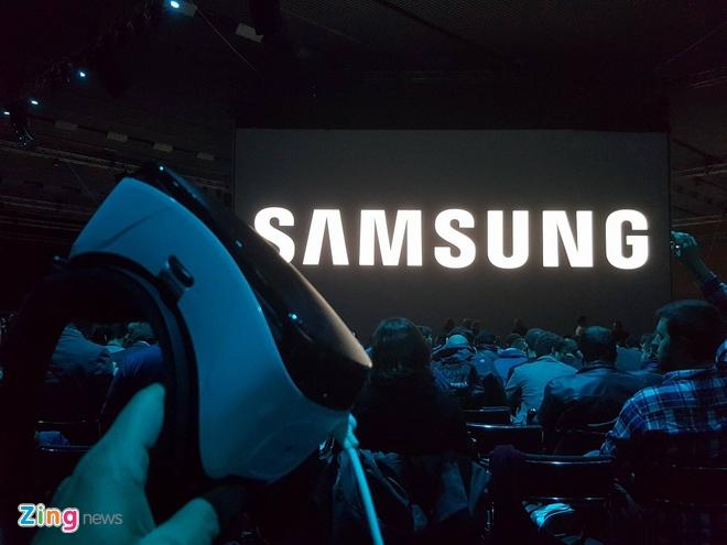 Galaxy S7 va S7 edge trinh lang, ban ra ngay 11/3 hinh anh 4