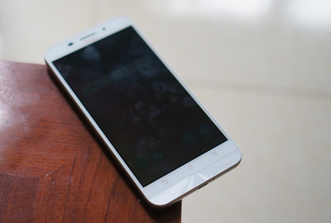 Danh gia Asus Zenfone Max: Pin khoe, camera on hinh anh 2