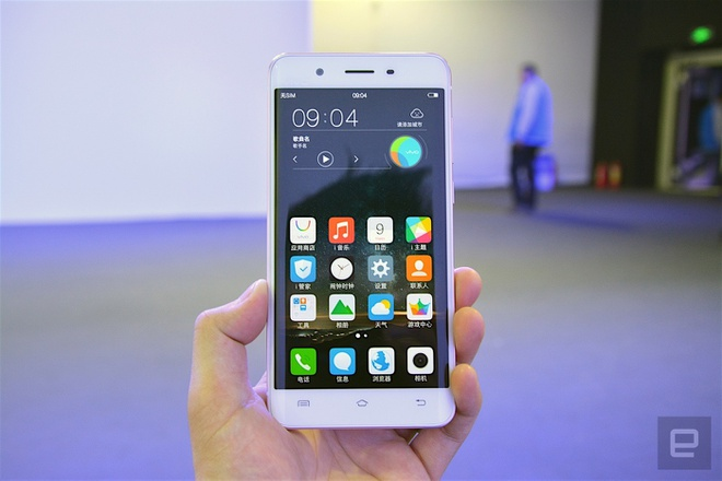 Can canh smartphone man hinh cong, RAM 6 GB hinh anh 5