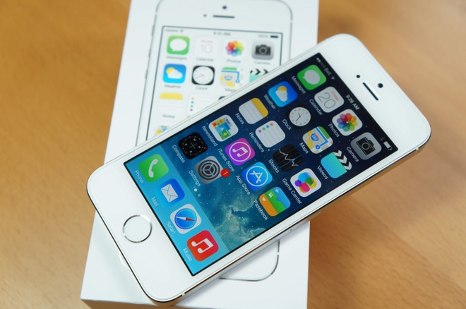 iPhone 5S can hang truoc thoi diem ban SE ra mat hinh anh 2