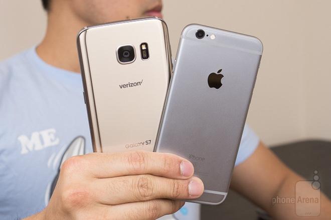 Galaxy S7 sac nhanh, co thoi luong pin thua S6? hinh anh