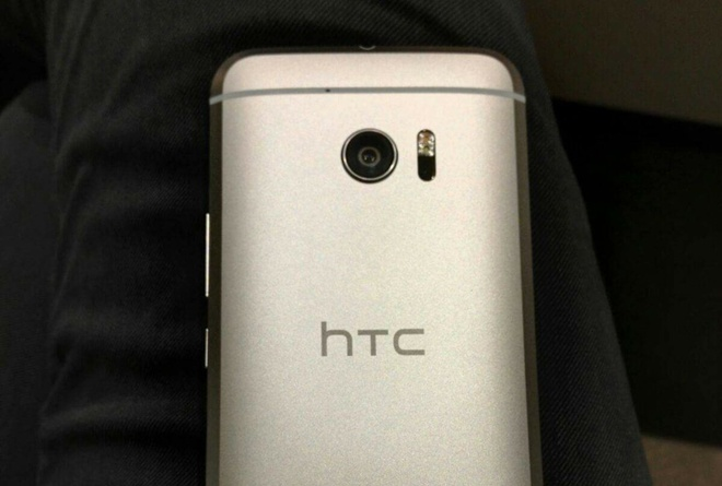HTC 10 se co camera dang cap the gioi hinh anh