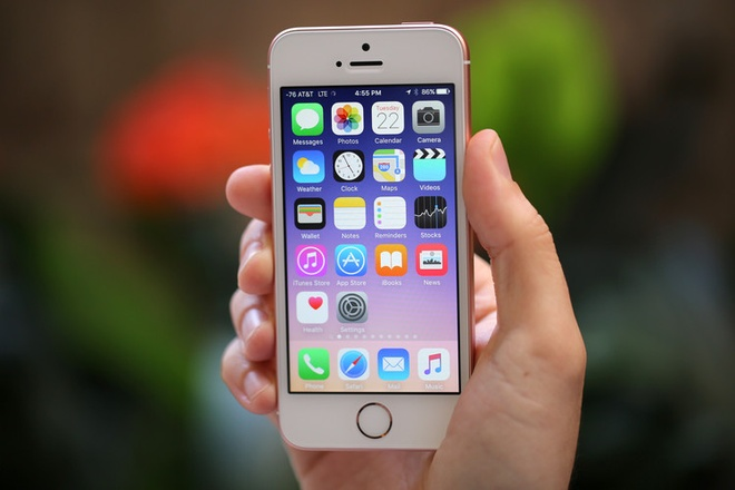 iPhone doi cu tren da giam gia sau khi ban SE ra mat hinh anh 2