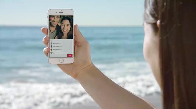 Facebook bat dau cho phat video truc tiep tren iPhone o VN hinh anh