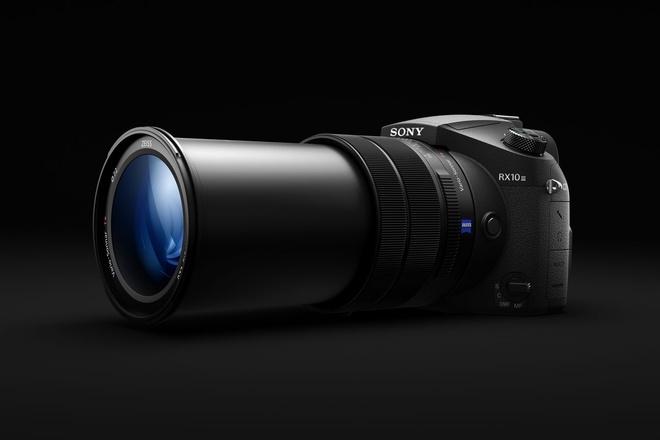 Sony gioi thieu RX10 III sieu zoom gia 1.500 USD hinh anh