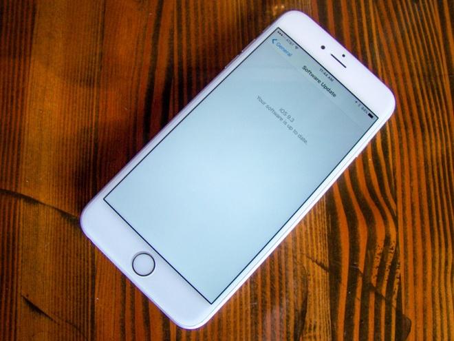 Apple phat hanh iOS 9.3.1, khac phuc loi treo may hinh anh