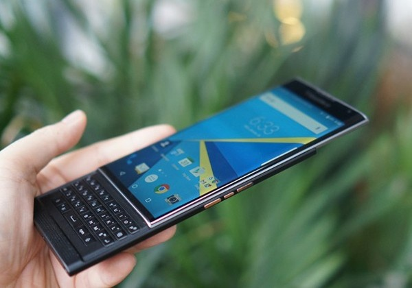 Android khong cuu noi BlackBerry hinh anh 1