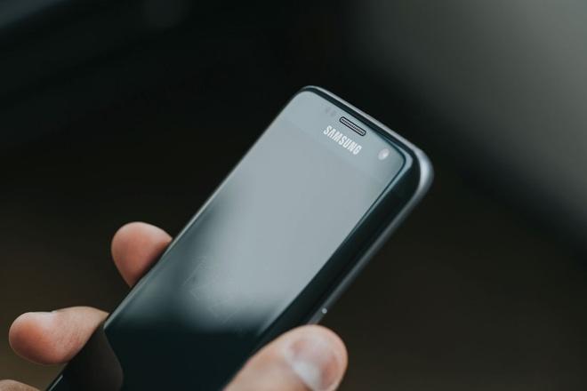 Samsung thu nghiem Galaxy Note 6 man hinh cong hinh anh