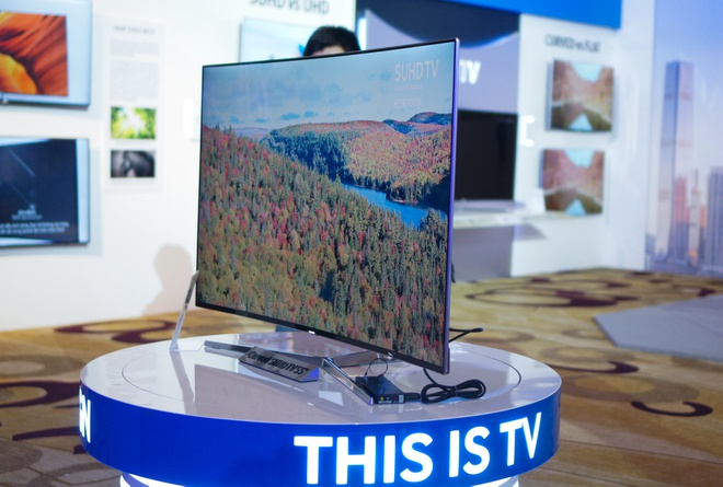 TV Samsung SUHD khong vien gia tu 32 trieu dong tai VN hinh anh