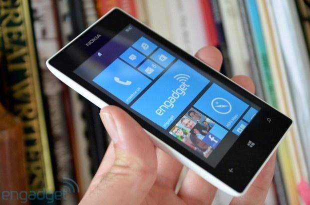 Lumia 520 lan dau mat ngoi smartphone WP so mot hinh anh