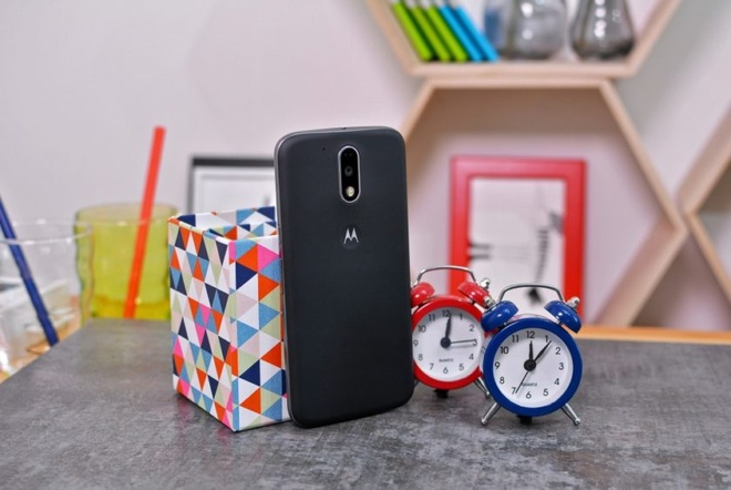2 smartphone Moto dau tien ra mat duoi thoi Lenovo hinh anh 2