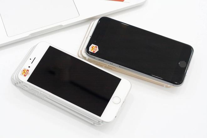 iPhone cu khan hang, co dau hieu tang gia hinh anh