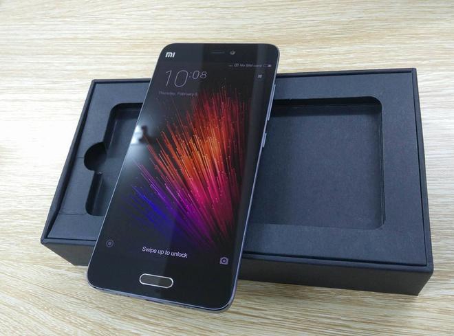 Xiaomi Mi 5 ban vo gom ve VN gia gan 14 trieu hinh anh 2