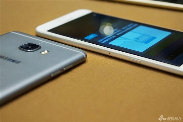 Anh thuc te 2 smartphone sieu mau Galaxy C5, C7 hinh anh 9