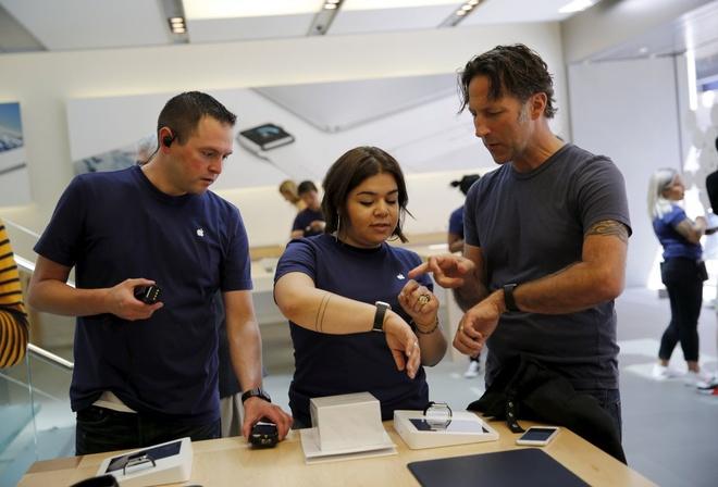 Chuyen chua tung ke cua nhan vien Apple Store hinh anh 3