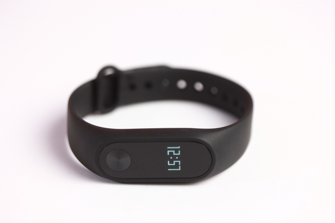 Vong deo tay Xiaomi Mi Band 2 gia 750.000 dong tai VN hinh anh 5