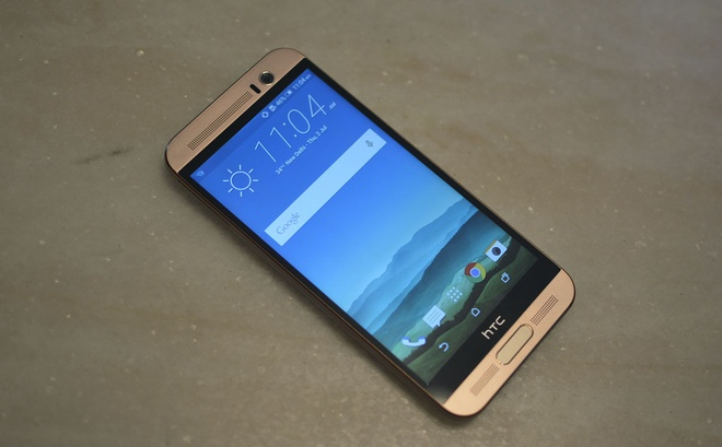 Smartphone mot nam tuoi HTC One ME ve VN, gia 9 trieu dong hinh anh