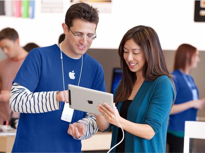 Mac ao nhan vien Apple trom 19 iPhone tri gia 16.000 USD hinh anh