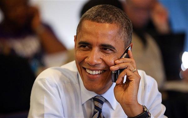 Tong thong Obama bo BlackBerry de 'len doi' Galaxy S4 hinh anh 1