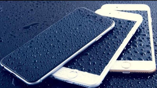 Smartphone mat gia hon ca oto hinh anh
