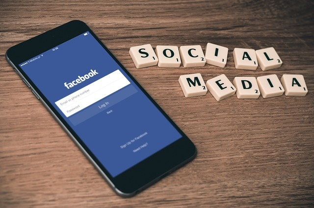 Facebook la ban hay thu cua gioi truyen thong? hinh anh 1