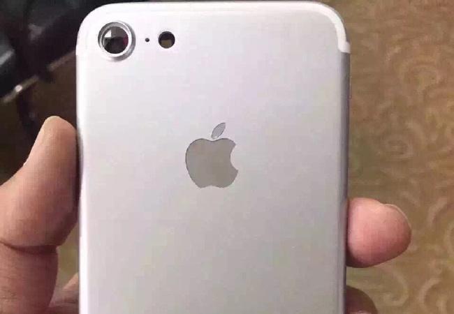 'iPhone 7 lac hau nhung van se ban chay' hinh anh 1