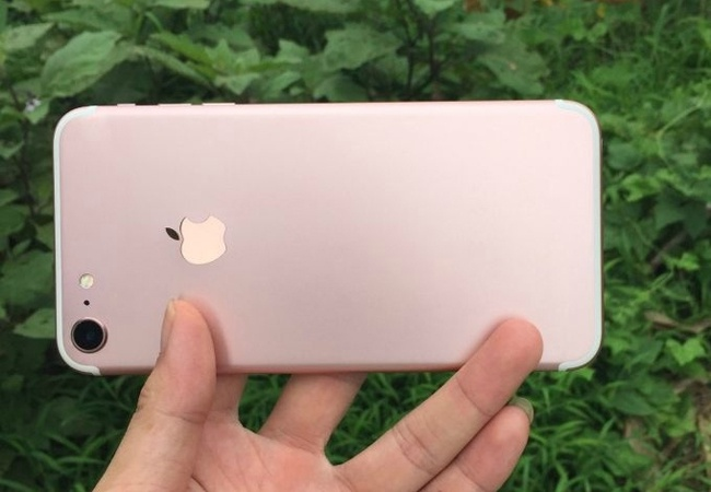 iPhone 7 rose gold hien hinh trong loat anh moi hinh anh