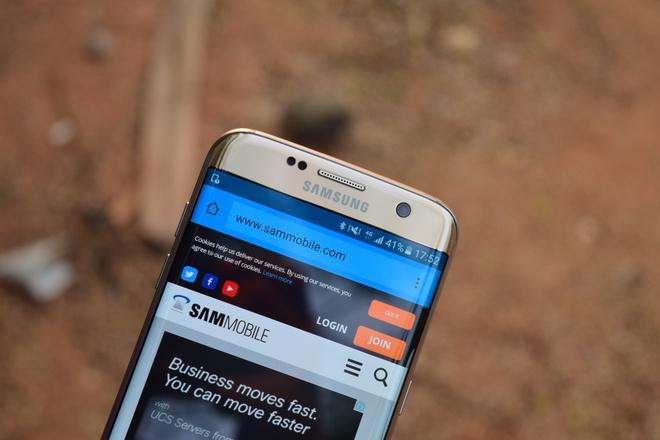 Samsung co the khai tu dong Galaxy S man hinh phang hinh anh 1