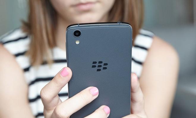 Dien thoai sieu bao mat cua BlackBerry gia 8 trieu tai VN hinh anh