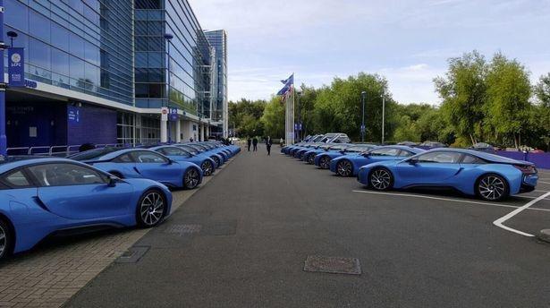 Cau thu Leicester do BMW i8 anh 2