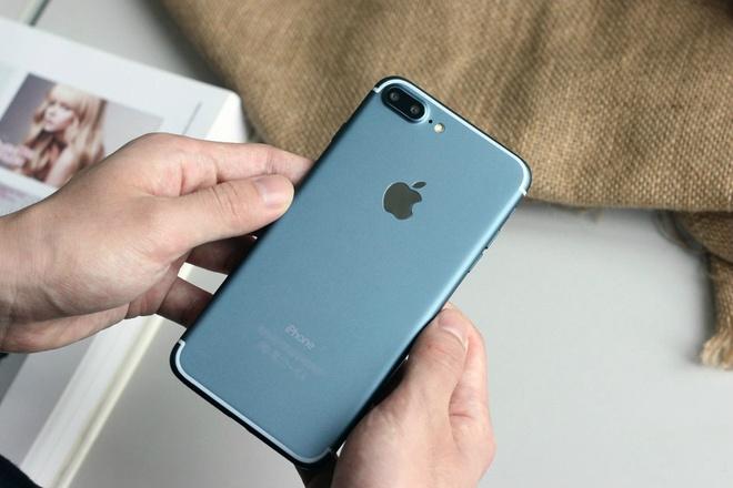 6 smartphone sang gia len ke tai VN thang 9 hinh anh 6