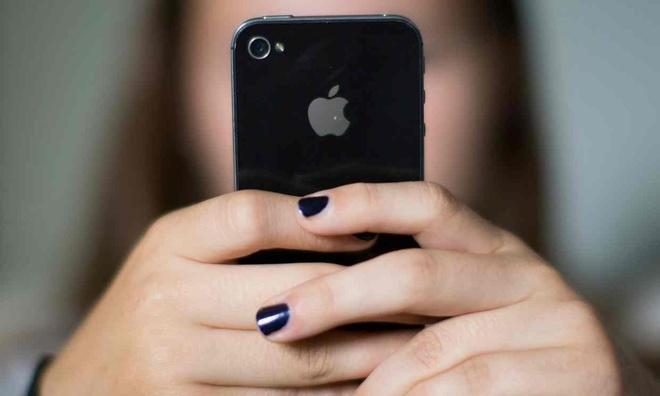Kiem trieu USD tu nghe gian diep iPhone hinh anh