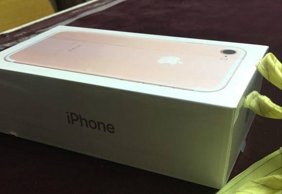 Vo hop iPhone 7 xuat hien truoc ngay ra mat hinh anh