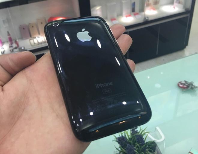 iPhone 3G hang suu tam gia 50 trieu tai Viet Nam hinh anh 2