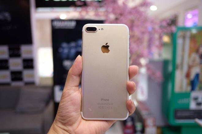 iPhone 7 Plus hang nhai gia hon 2 trieu tai Viet Nam hinh anh 2