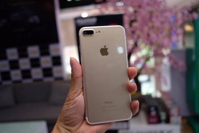 iPhone 7 Plus hang nhai gia hon 2 trieu tai Viet Nam hinh anh