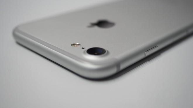 5 diem te nhat cua iPhone 7 hinh anh